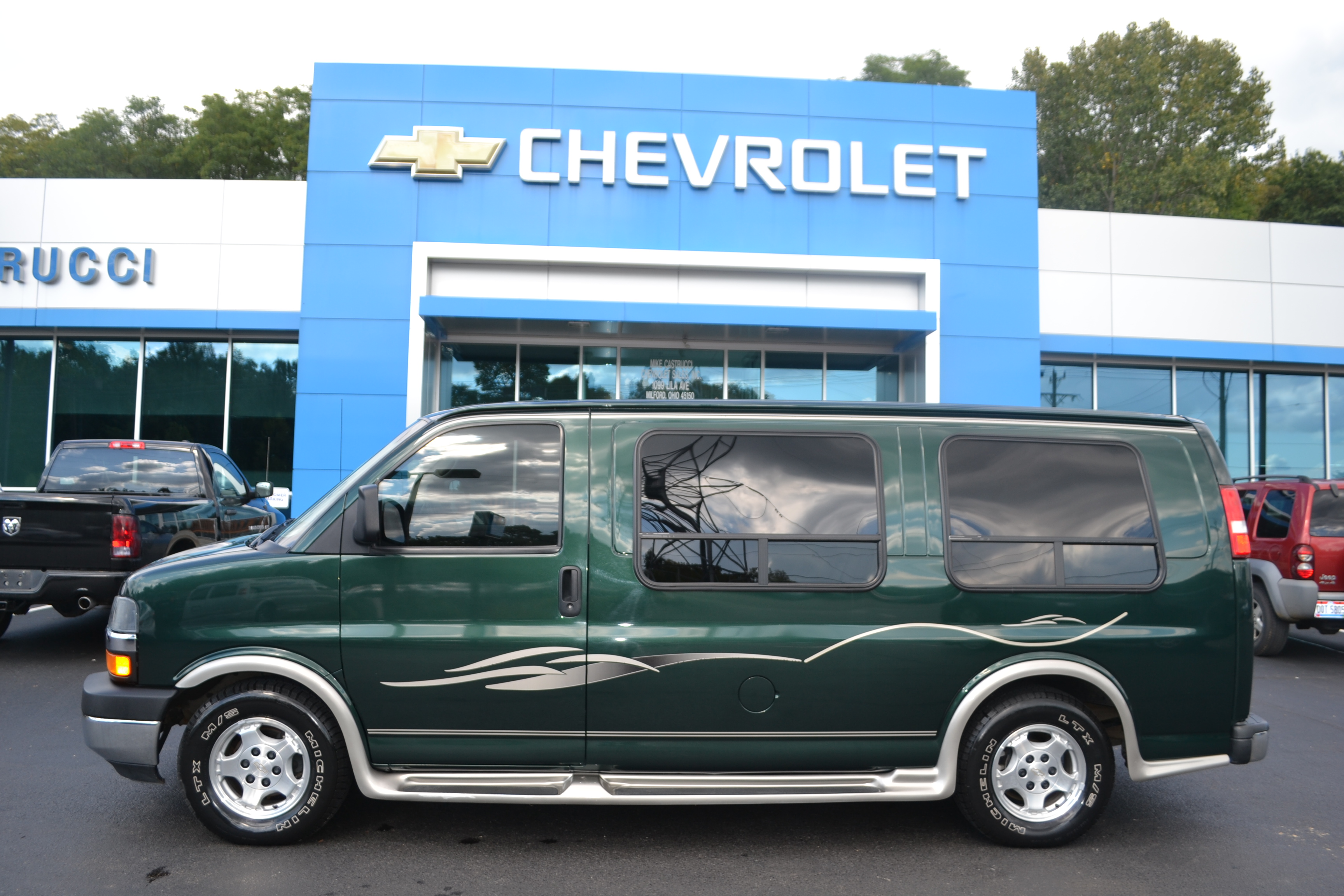 2005 Chevy Express 1500 - Elite Xl By Debut