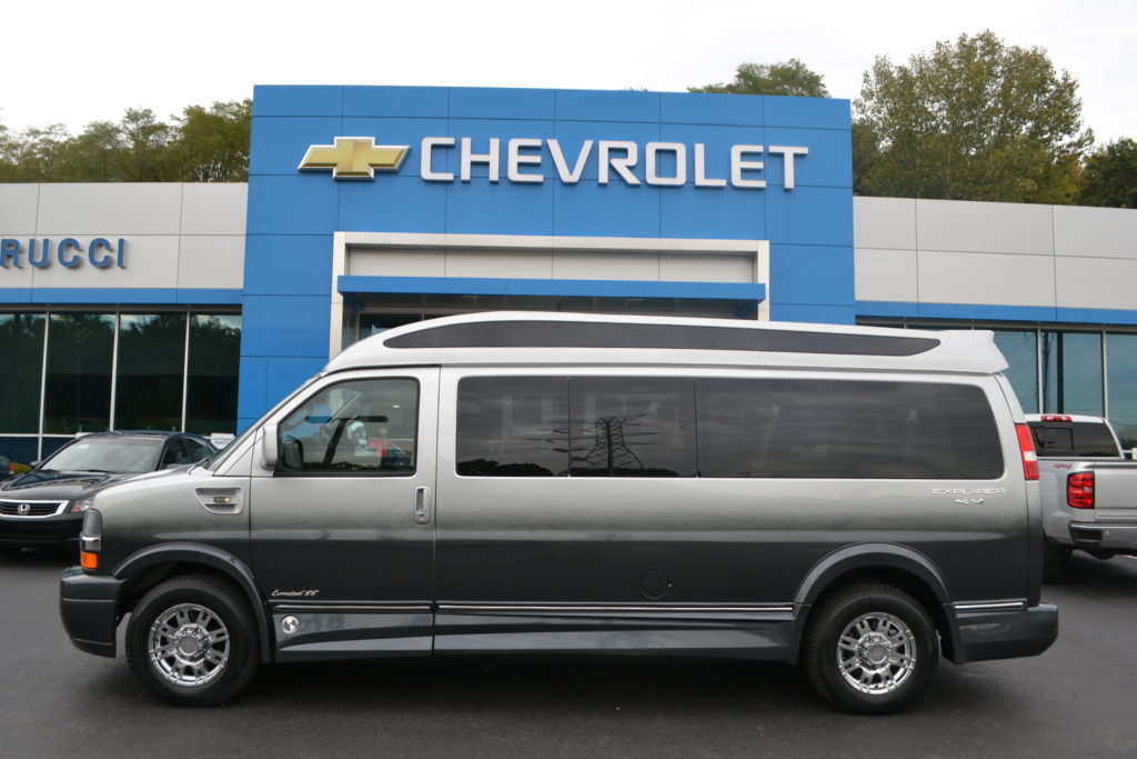 4X4 9 Passenger Explorer Van Chevrolet Express 4 Wheel Drive Mike Castrucci Chevrolet Conversion Van Land
