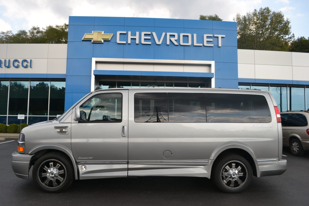 2017 Chevrolet Express Explorer Limited X-SE Low-Top Silver to Gray Fade H1261069 Conversion Van Land