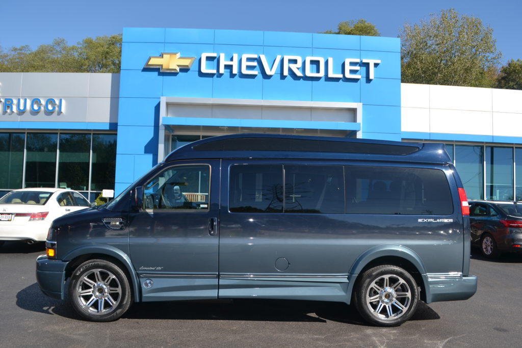 2017 Chevrolet Express Explorer Limited X-SE VC Explorer Limited X-SE Blue Fade H1287323 Mike Castrucci Chevrolet Conversion Van Land