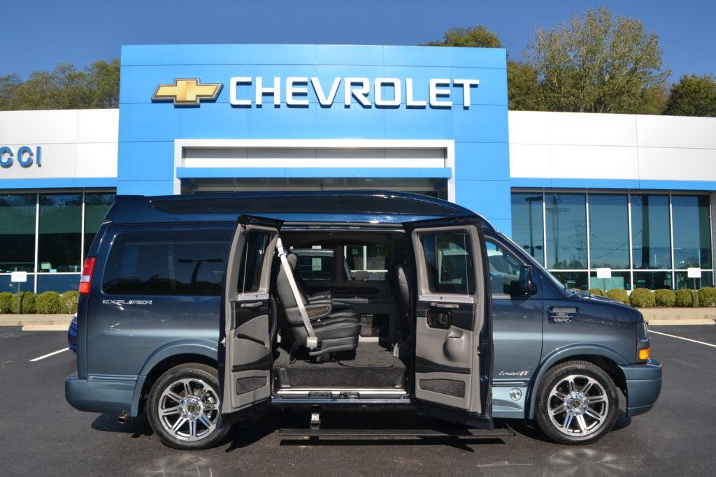 d2f4cfb4fa38 Dark Blue Fade Explorer Van Company Mike Castrucci Chevrolet Conversion Van  Land