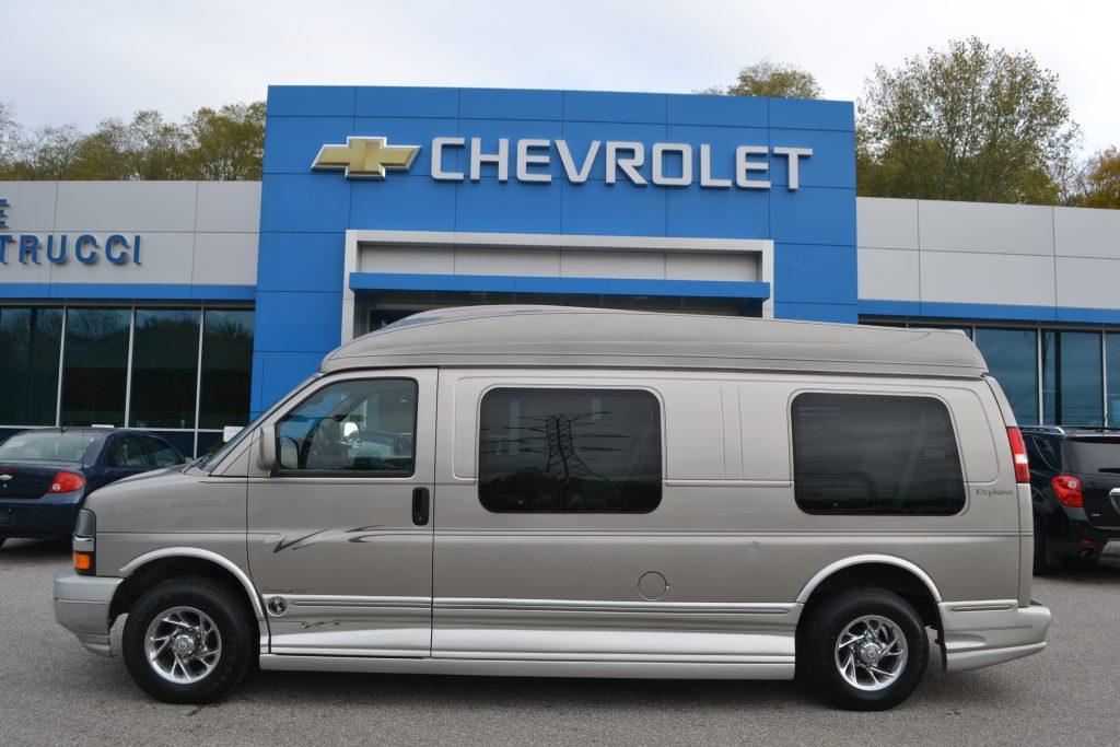 2005 Chevrolet Express Expended 9 Passenger Explorer Conversion Silver Birch