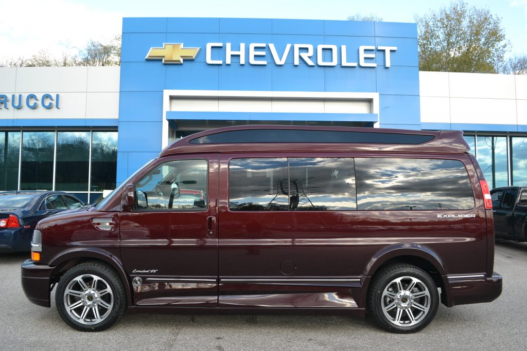 2017 Chevrolet Express Explorer Limited X-SE Red Fade Metallic