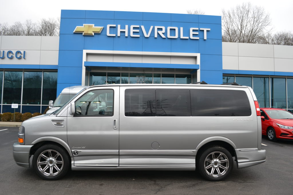 2015 2500 Chevrolet Express Explorer Limited X-SE Conversion Van Land Mike Castrucci Chevrolet Silver Ice Fade F1218301